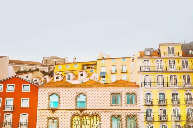 Bairro colorido em Lisboa