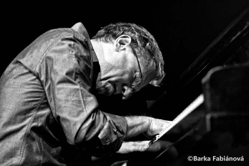 Mário Laginha, piano