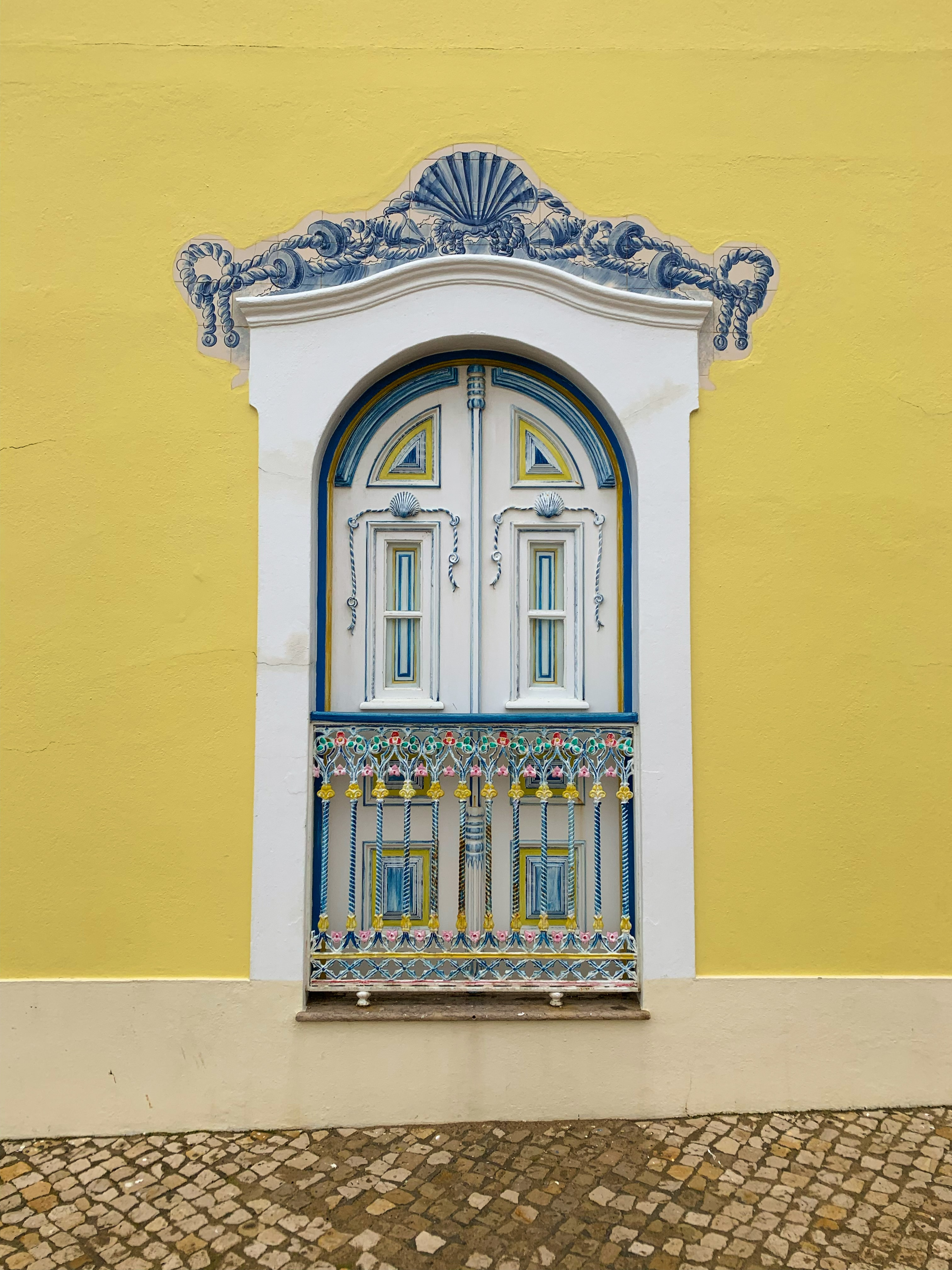 Janela em Ericeira, Portugal