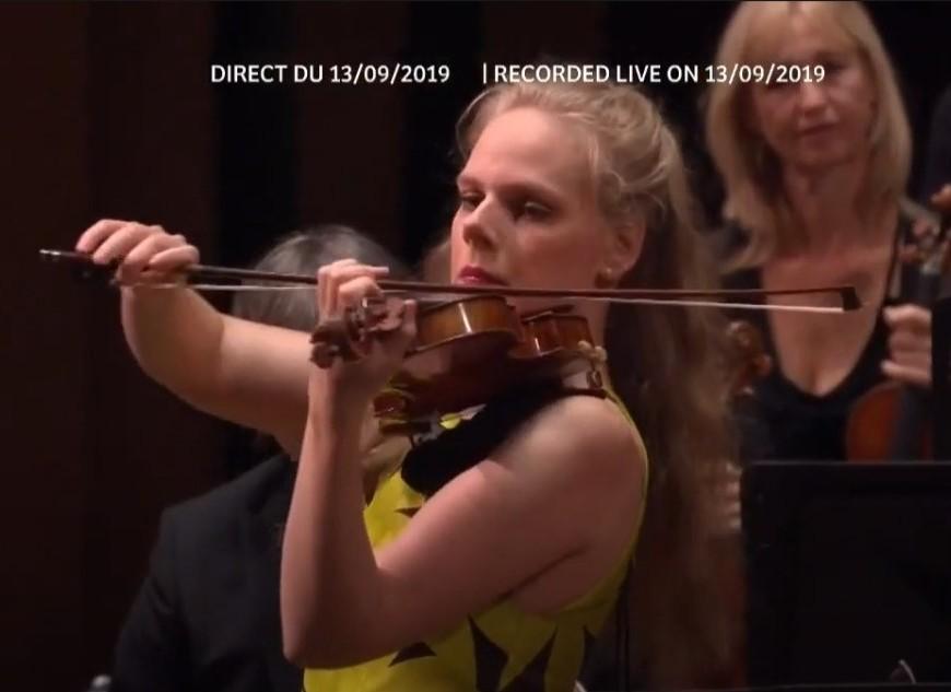 simonne lamsma, violino, toca Tchaikovsky, pela Concertgebouw Orchestra de Amsterdam, Mezzo