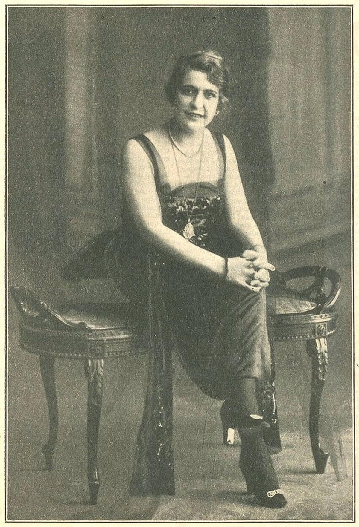 Retrato da actriz Berta Viana da Mota, 1920