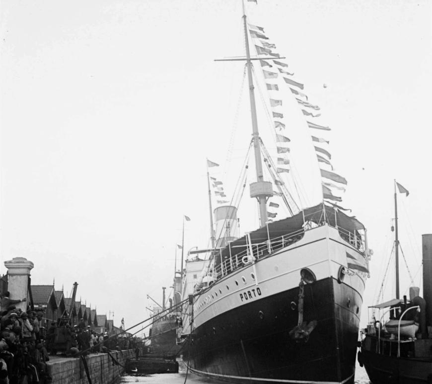 Partida do presidente da República, António José de Almeida, para uma visita de Estado ao Brasil a bordo do navio Porto.