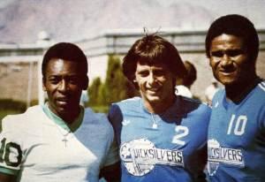 Eusébio da Silva Ferreira, mais conhecido por Eusébio, foi um futebolista português nascido em Moçambique