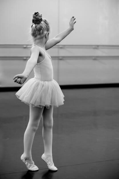 Menina no ballet